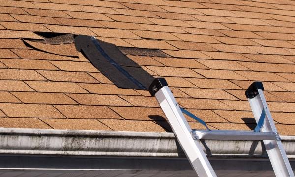 Comment savoir si votre évent de toit fuit