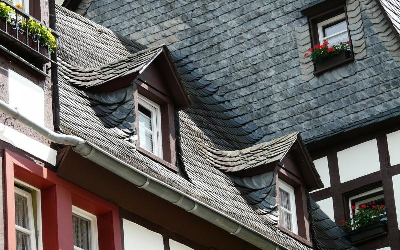 Pourquoi opter pour une toiture en ardoise ?