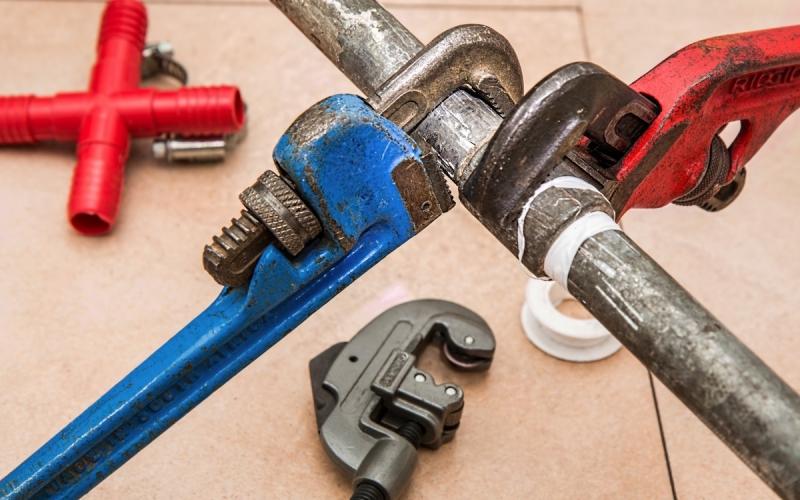 Travaux : comment détecter les fuites d'eau dans la maison ?