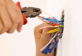 Comment estimer le prix d'une installation électrique dans une maison neuve ?